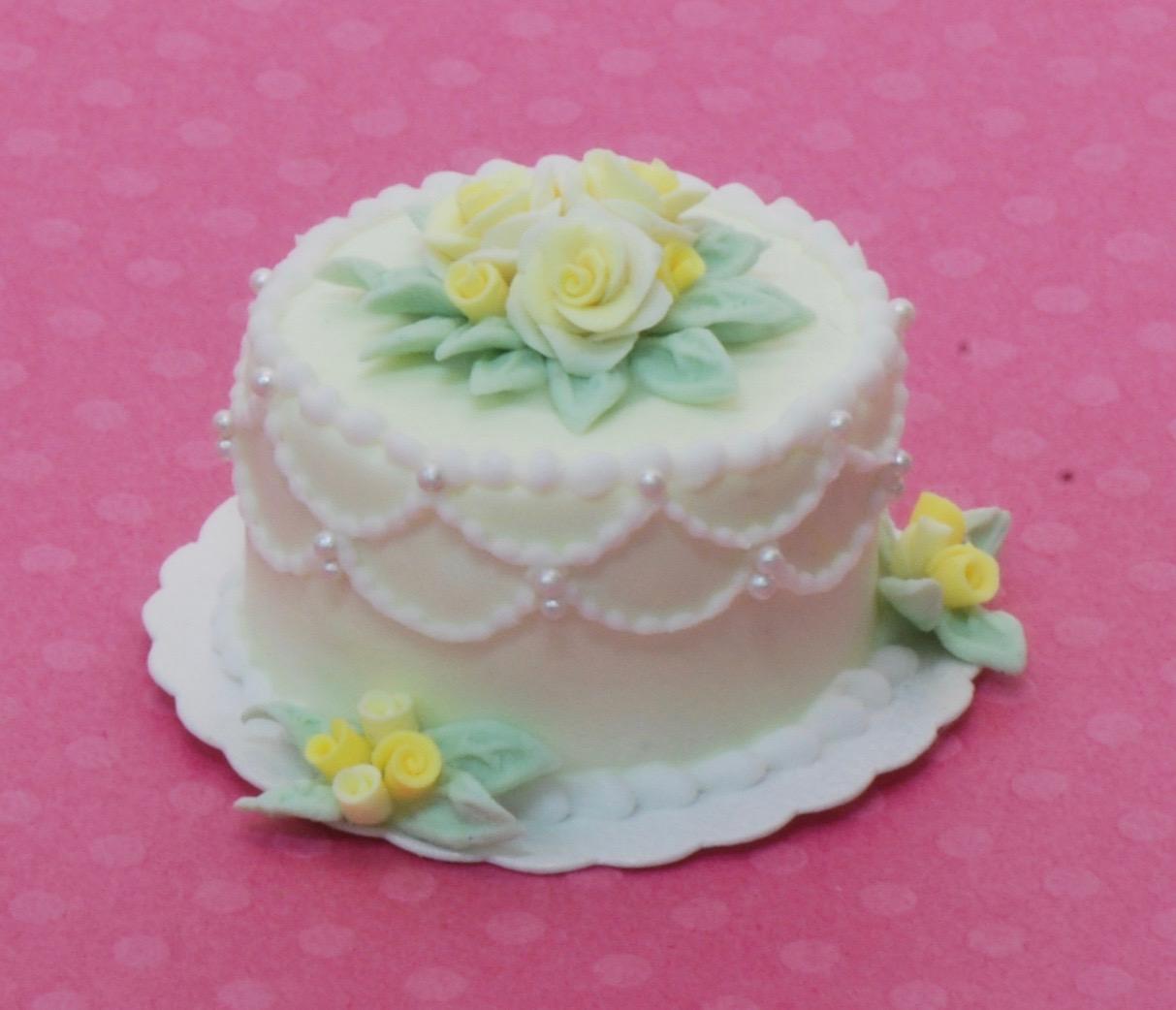 Sunflower Lady Bug Wedding Cake | Stewart Dollhouse Creations