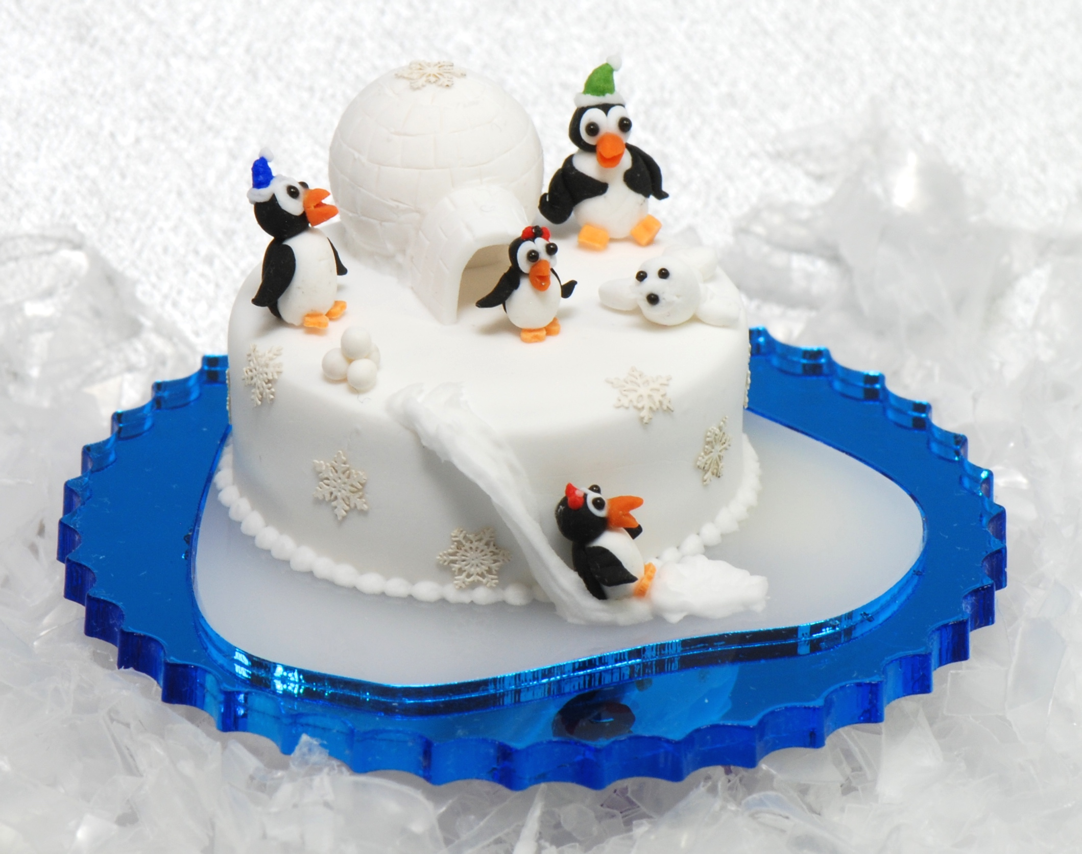 1:12 Penguin Igloo Cake Kit | Stewart Dollhouse Creations