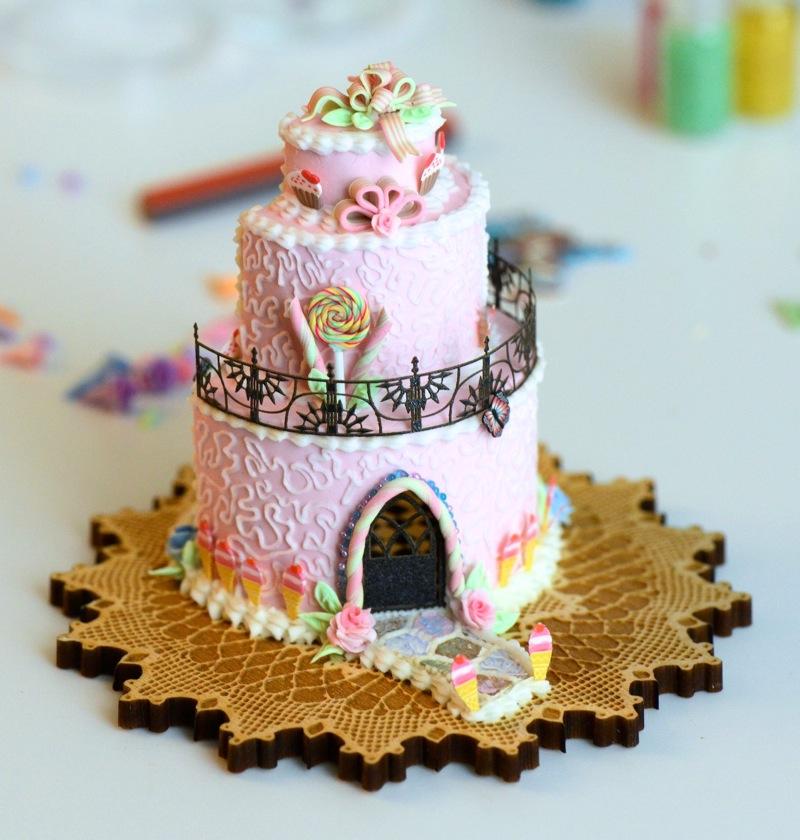 Brand New Cake Houses Stewart Dollhouse Creations